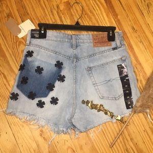 ✨NWT! Lucky Brand shorts with embroidered clovers
